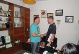 Hráč TJ Tatran Bobot Daniel Sokolík gratuluje